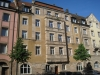 Sandsteinfassade in Nürnberg mit Fenster nach historischem Vorbild von Reheuser Fensterbau