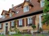 Fränkisches Wohnhaus im Landkreis Bamberg mit Fenster nach historischem Vorbild von Reheuser Fensterbau